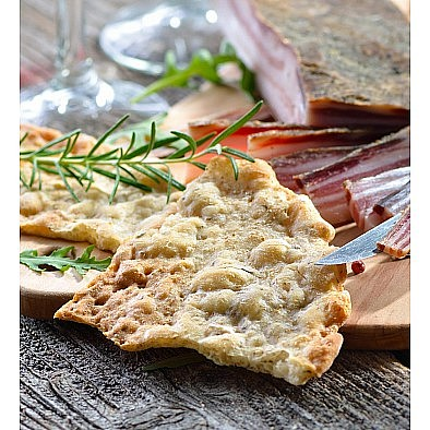 Chlebové placky Peperoncino česnek bylinky